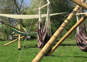Loungen in de tuin van de Gillishof